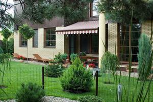 Markise Terrasse rot weiß