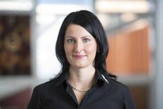Caroline Rohr, Kundenberatung Gardine